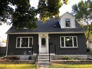 *RENOVATED* Main Unit for Rent in Welland House with Garage