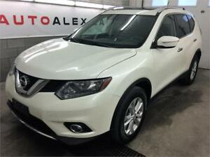 2015 Nissan Rogue SV AWD TOIT PANORAMIQUE CAMERA BLANC PERLE