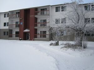 East Regina- 1 Bedroom- MOVE IN NOW! Close to shopping!