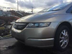 WRECKING A HONDA ODYSSEY 2005 FOR PARTS
