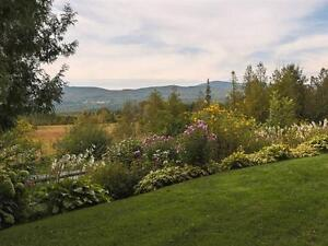 Beautiful 3 Bdrm Home w/ Large Barn, and Amazing Mountain Views