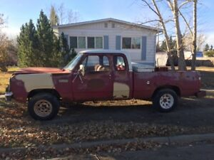 1980 Dodge Club Cab - Hunting / Fishing / Mud bog