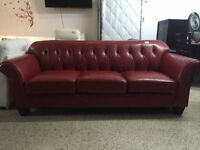 FAUTEUIL 3 PLACES EN CUIR ROUGE/ RED LEATHER 3 PLACES COUCH