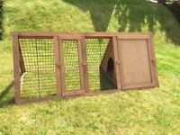 Small outdoor Guinea Pig Pen in Excellent Condition