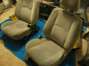 2005 Ford Escape / Mazda Tribute front seats