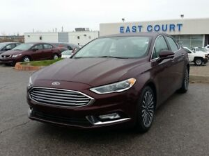 "2017 Ford Fusion SE AWD, Leather Seats, Roof, NAV 18"" Prem"