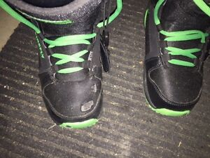 Youth Burton Boots Size.5  Great Condition Stratford Kitchener Area image 5
