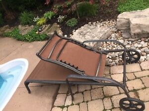 Chaise Lounge - Sunbrella - Folding with wheels - like new !!
