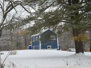 Perfect Small House in Country close to Skiing, Nature, + VIEWS West Island Greater Montréal image 9
