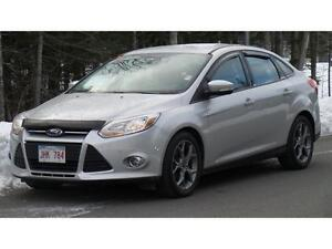2014 Ford Focus SE (Leather, Moonroof!)