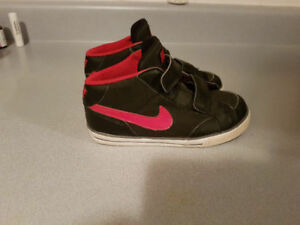 Nike shoes  (size 10 toddler)