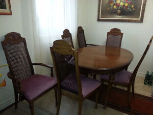 Cristalliera/China cabinet, table and 8 chairs
