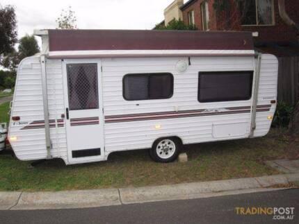 "2000 Evernew 17'6"" Poptop Caravan"
