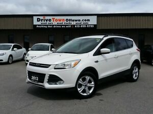 2013 Ford Escape SE 4X4 **LEATHER & NAVIGATION**