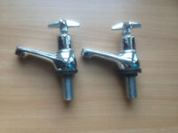 A pair of sink or basin Tap (good condition) £10 ono