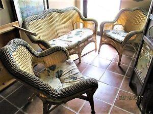 Sofa et 2 chaises en rotin plastique