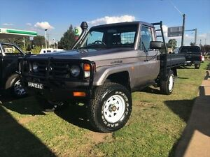 2005 Toyota Landcruiser HDJ79R (4x4) Silver 5 Speed Manual 4x4 Cab Chassis Young Young Area Preview