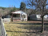 417 Elliot Crescent, Sicamous- No Pad Rent!