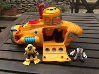 Imaginext Submarine with figures