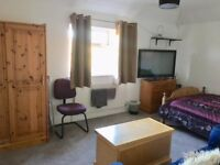 Large double room with sunny aspect