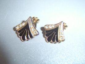 Vintage Deco Style Black Enamel Gold Tone Crystal Fan Sm 12mm CLIP ON Earrings