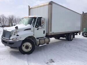2012 International 4300 4x2, Used Dry Van