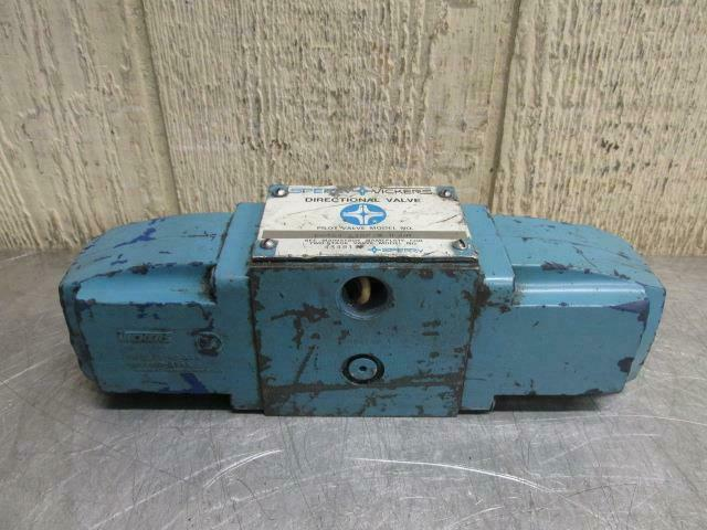 Vickers DG4S4-016C-WB-50 Hydraulic Directional Control Solenoid Valve 115v