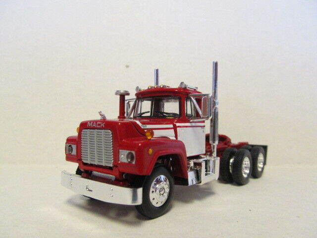 1ST GEAR 1/64 SCALE  R MODEL MACK DAY CAB RED & WHITE SAME SCALE AS DCP