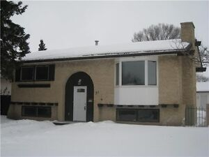 Perfect renovated starter home in Sherwood Park