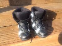 Child's Rossignol SnowBoard Boots size 3
