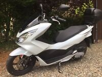 Honda WW 125 PCX Scooter IMMACULATE and ONLY 769 miles!