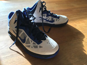 Nike Hyper Chaos size 8 -- immaculate.