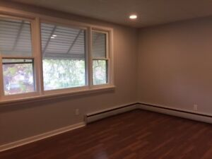 EXCELLENT PRICE...Clean 2 Bedroom  Apartment  $795 + Hydro