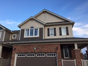4 Bedroom House for Lease in Waterdown On