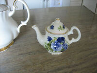 FINE CHINA COLLECTOR TEAPOT!!