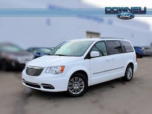 2016 Chrysler Town & Country TOURING, LEATHER, HTD SEATS