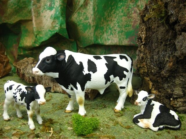 Retired Schleich Holstein Bull & Calves Set/3 Nativity Presebre Farm Animal