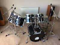 Pearl Session Elite 6-piece drum kit in piano black in superb condition