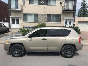 2009 JEEP COMPASS- automatic- AWD-  4 CYLINDRES-  propre- 3700$
