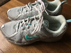 Nike Air Max Womens Running shoes 8.5