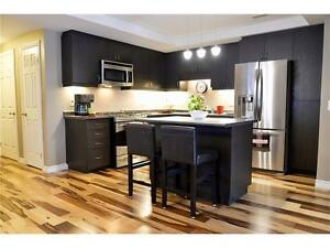 2 beds, 2 baths, laundry, patio, parking & great location!