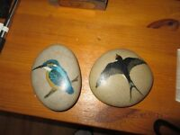 stone pebble ornaments / painted stone