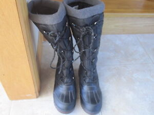 Ladies size 10 Cougar Boots - Brand New