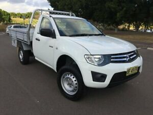 2010 Mitsubishi Triton MN MY11 GLX White 5 Speed Manual Cab Chassis