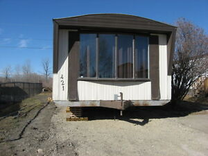 421 KANELL DR, HIGH RIVER -free cable & internet !