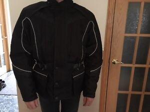 manteau de moto et casque