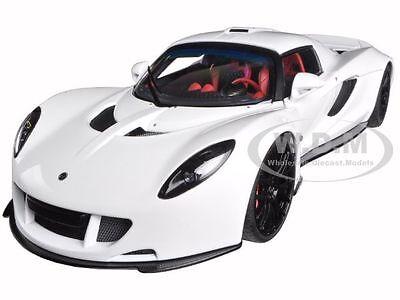 Hennessey Venom Gt Spyder White 1 18 Diecast Model Car By Autoart 75404
