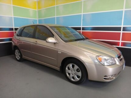 2006 Kia Cerato LD Champagne Gold 4 Speed Automatic Hatchback Wangara Wanneroo Area Preview