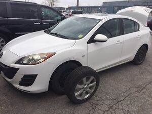 2010 Mazda3i GS Sport Sunroof,No Accident,No Rust,Safety!starter