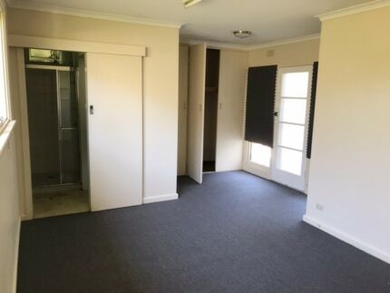fully furnished house walk distance to Nunawading station